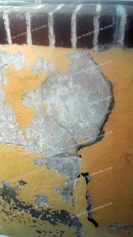 fissures mur mélange silex et plâtre