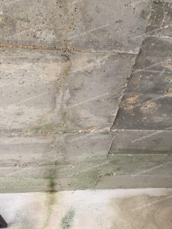 ragréage hydrofuge d'un plafond en béton