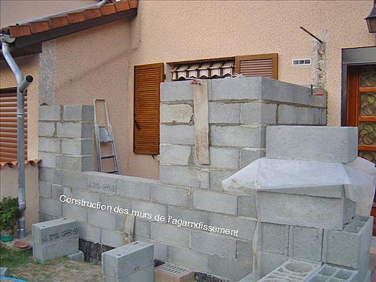 conseils maconnerie agrandissement maison en prenant appui sur les murs existants. Black Bedroom Furniture Sets. Home Design Ideas