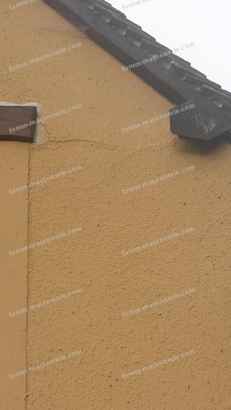fissure mur maison ciment et silex