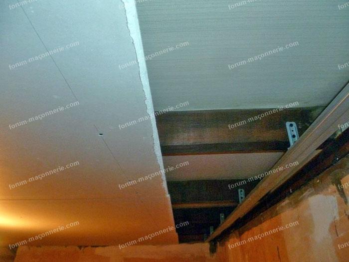 Pose faux plafond interesting les faux plafonds with pose for Pose de faux plafond