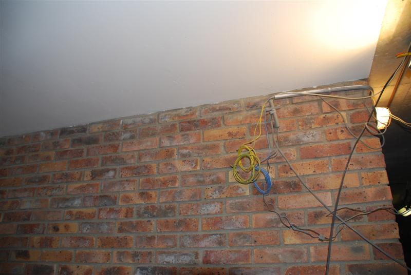 boucher trou mur  boucher un trou dans un mur de gypse avant de le peindre bricolage blog