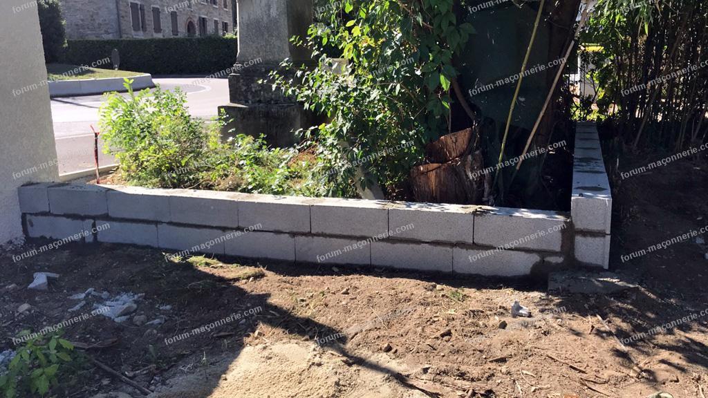 rehausser muret de clôture