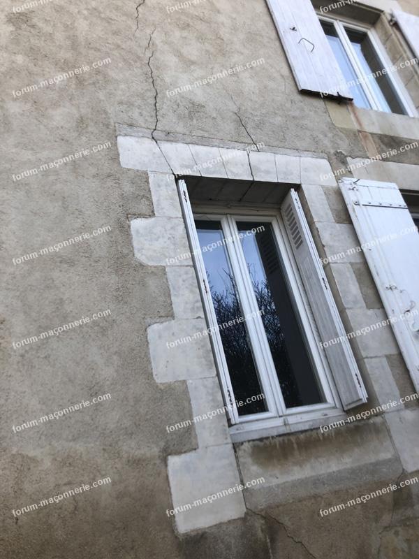 Réparation linteau fenêtre en clé de voûte