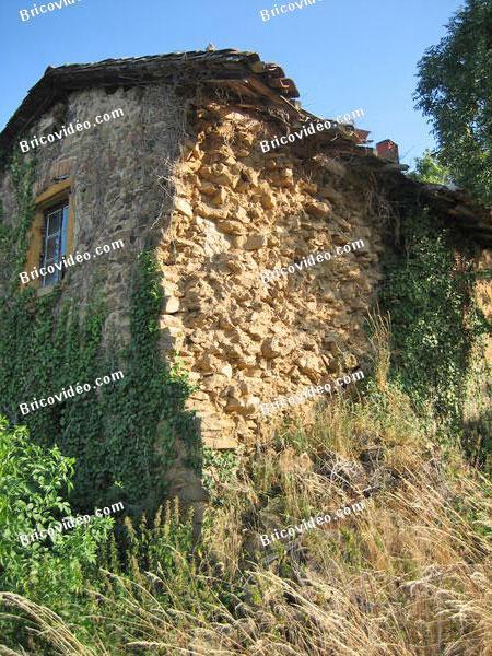 bricovid o forum ma onnerie mur de maison en pierres croul est ce r parable. Black Bedroom Furniture Sets. Home Design Ideas